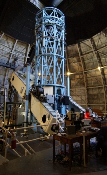 This is the 100 inch (2.5 M.) Hooker Telescope at the Mount Wilson Observatory in Los Angeles County, California. It was used by Edwin Hubble to determine that some nebulae were actually galaxies outside our own Milky Way.  CC BY-SA 3.0 Ken Spencer https://commons.wikimedia.org/wiki/File:100_inch_Hooker_Telescope_900_px.jpg