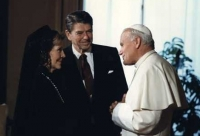 Reagan and the Pope, 1982. Public Domain https://commons.wikimedia.org/wiki/File:President_and_Mrs._Reagan_meet_Pope_John_Paul_II_1982.jpg