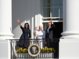 <p>Pope Francis and Obama. <em>The Pope waves from the Blue Room Balcony with the President and First Lady. (Official White House Photo by Amanda&nbsp;Lucidon)</em></p>