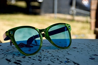 Sunglasses by Les DeFoor on Flickr https://www.flickr.com/photos/defoor/2709677182/in/faves-54873289@N07/