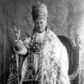 Pope Pius X in papal tiara.