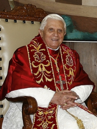 Pope Benedict XVI in 2007, CC Ricardo Stuckert/PR https://commons.wikimedia.org/wiki/File:BentoXVI-28-10052007.jpg