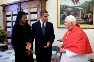 Michelle and Barack Obama with Pope Benedict XVI, 2009. Public Domain. https://commons.wikimedia.org/wiki/File:Barack_et_Michelle_Obama_avec_Benoit_XVI.jpg