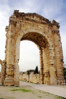 The Triumphal Arch  of Tyre (reconstructed) CC Sharealike David Bjorgen on Flickr https://www.flickr.com/photos/cybjorg/72357601/in/photolist-7oRoR-9DEAj