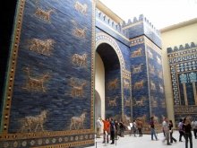 The reconstruction of the Ishtar Gate in the Pergamon Museum in Berlin. CC BY 2.0 Rictor Norton on Flickr https://www.flickr.com/photos/rictor-and-david/151247206